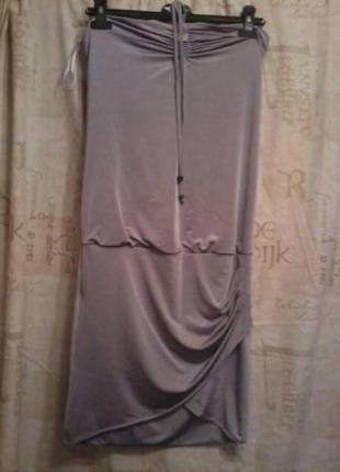 Итальянское платье стрейч 5% от Phard очень красивого кремово-металлического цвета,размер S,но подойдет и на M,L