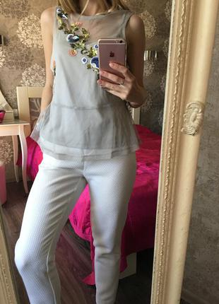 Блузка-сеточка с вышивкой пайетками