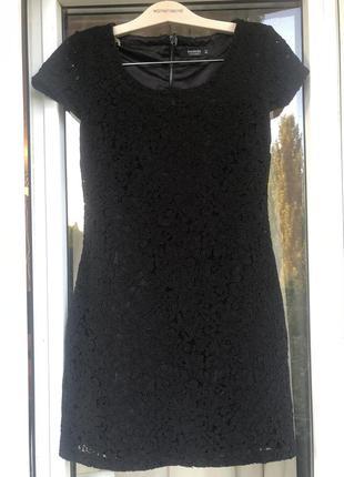 Чёрное короткое платье reserved