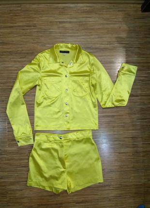 Дизайнерский костюм ярко желтого цвета aridza bross франция.