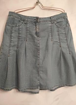 Кокетливая джинсовая юбочка, размер 50-52.