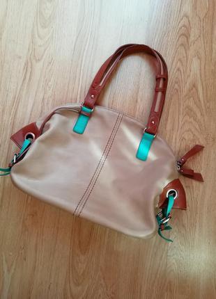 Отличная сумочка mee-carol