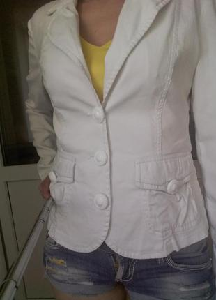 Базовый белый летний пиджак, defile