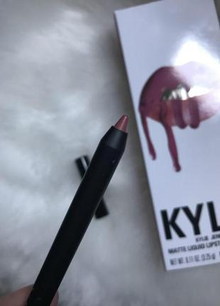 Оригинальный контурный карандаш для губ kylie pencil lip liner в оттенке posie k