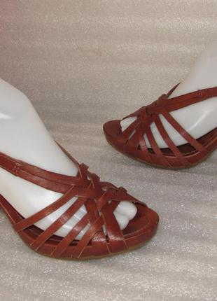 Босоножки на устойчивом каблуке 100% натуральная кожа~clarks~ р 37