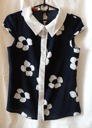 Блузка с коротким рукавом в школу