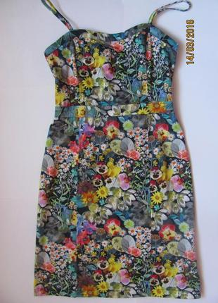 Платье-бюстье в цветочный принт от bershka, размер xs-s