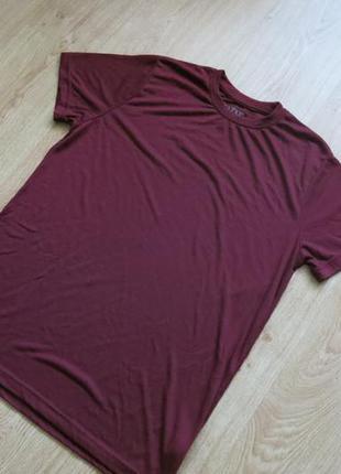 Легкая немного прозрачная фиолетовая футболка от boohoo