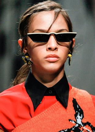Чёрные узкие очки sci-fi с белой полосой
