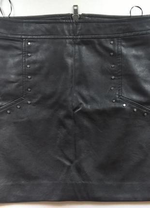 Мини-юбка из кожзаменителя mango с заклепками 34-36