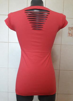 Красивая стильная,стрейчевая малиновая футболка с разрезами на спине divon,one size(40-46)