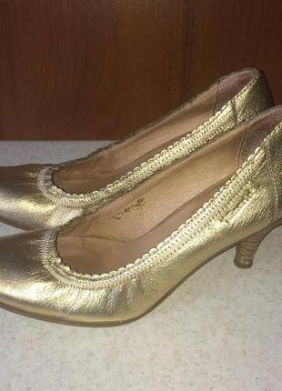 Кожаные туфли tamaris 37р.