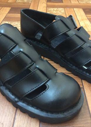 Новые сандали kickers р41 (ст 26 см). 100% оригинал!