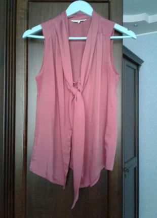 Продам блузку розовую без рукавов