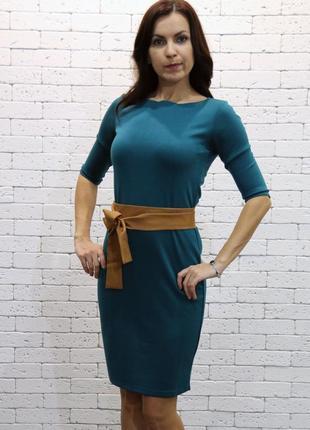 Трикотажное платье natella красивого изумрудного цвета