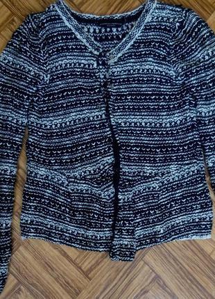 Модная вязанная кофта