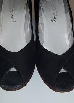 Элегантные  кожаные черные туфли лодочки с открытым носком pierre chupin, париж