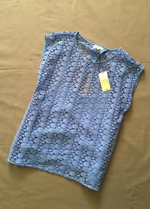 Ажурная блуза с разрезом на спинке