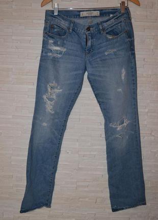 Рваные джинсы abercombie & fitch