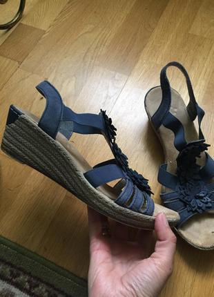 Кожаные сандали босоножки rieker