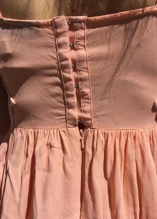 Летнее платье с вырезанными узорами4