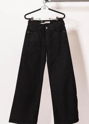 Черные джинсы levi's р. 28 и 29