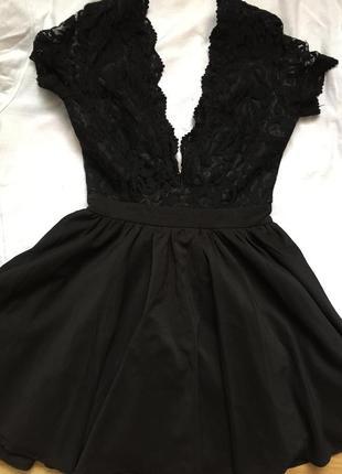 Шикарное черное платье missguided xs