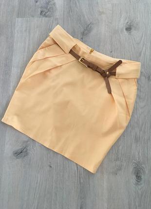 Классная юбка с завышенной талией и карманами