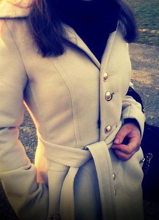 Пальто осінь- зима бежеве