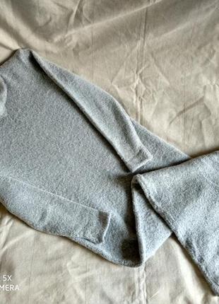 Актуальное базовое теплое вязаное платье макси