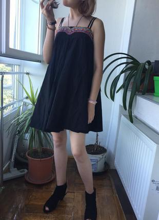 Роскошное платье сарафан с вышивкой в бохо стиле