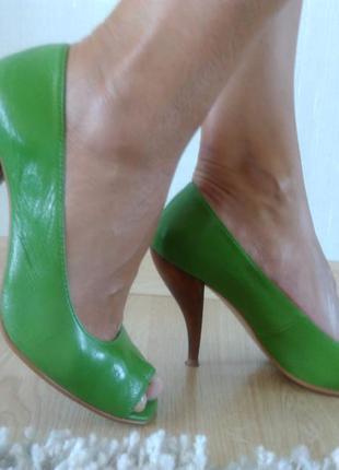 Шикарные кожаные летние туфли испания р 39