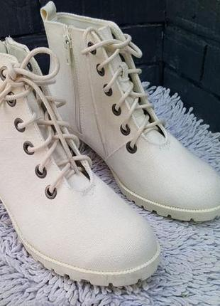 Ботинки на маленьком каблуке бренда h&m, м67