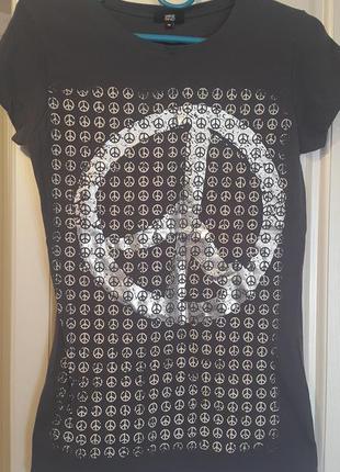Новая летняя качественная футболка yes or no темно-серого цвета с cеребряным рисунком2 фото