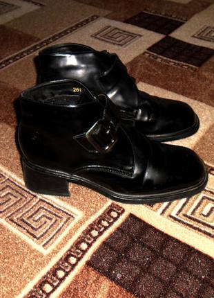Кожаные ботинки, полусапожки, ботильоны на широком каблуке с ремнем, marco tozzi