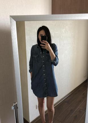 Джинсовое платье-рубашка mango