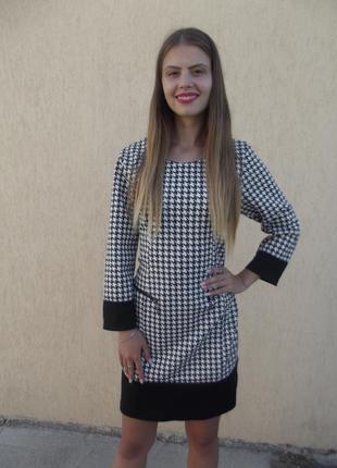 Черно-белое платье с замочками, италия