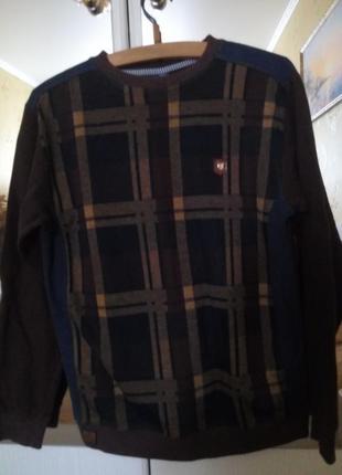Красивый свитер для юноши