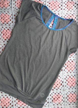Фирменная спортивная футболка roxy