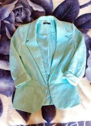 Приталенный мятный пиджак kira plastinina