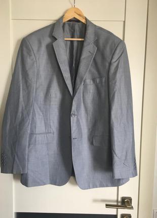 Классический пиджак серого цвета