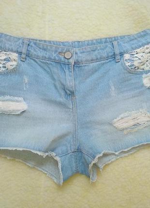 Стильные джинсовые шорты рванка