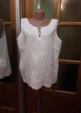 Белая майка блуза из льна с перфорацией вышивкой