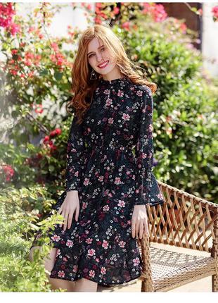 Легкое шифоновое платье,цветочный принт,беби долл,приталенное,