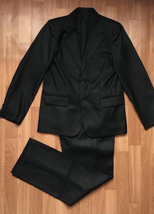 Школьный костюм. размер 10-11 лет