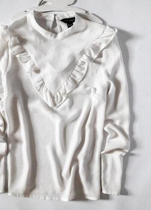Базовая блуза с рюшами