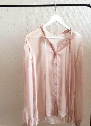 Нежная блуза бренда gf ferre