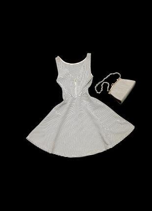 Детское короткое летнее платье в полоску на шлейках