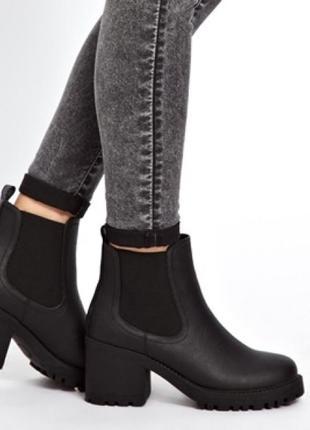 Чёрные сапоги сапожки ботильоны ботинки челси на каблуке