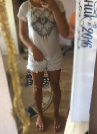 Белые джинсовые шорты pimkie